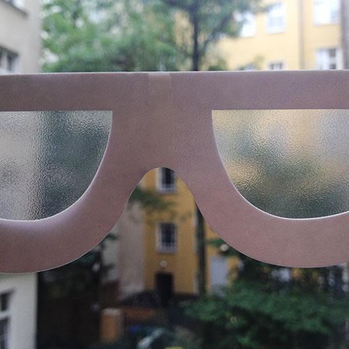 Verschwommener Blick durch eine Simulationsbrille