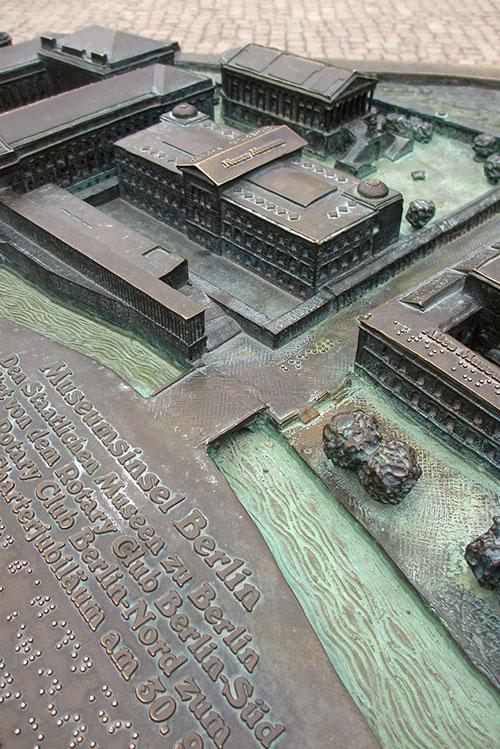 Bronze-Modell der Museumsinsel